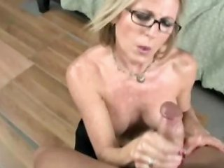 Older Milf Satisfies Teen Boys Dicks By Hand Drtuber
